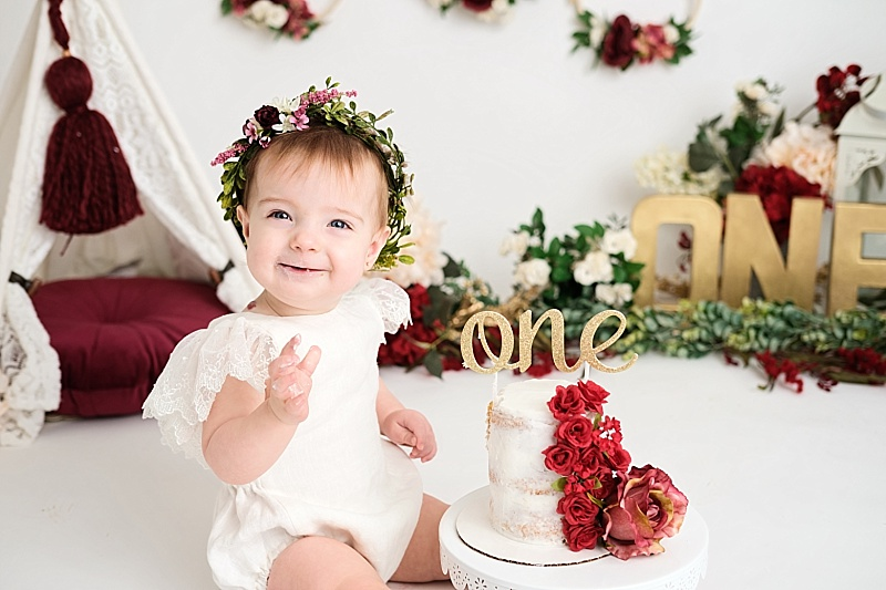 Michigan Cake Smash Photographer | Avery
